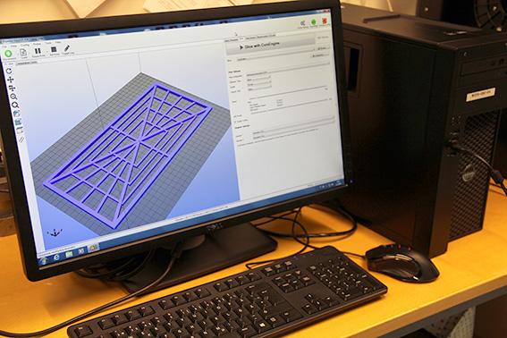 tekninen piirros tietokoneen näytöllä